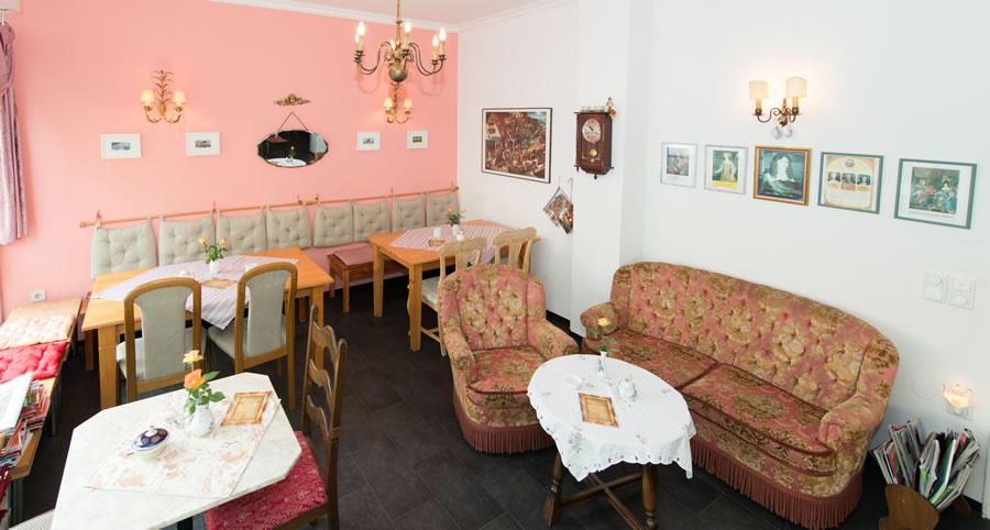 Cafe Leopold Dusseldorf Pempelfort